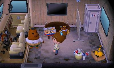 【オートキャンプ場】リセットさんのキャンピングカーとオーダーできる家具